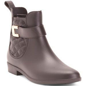 Henry Ferrera Rainboots